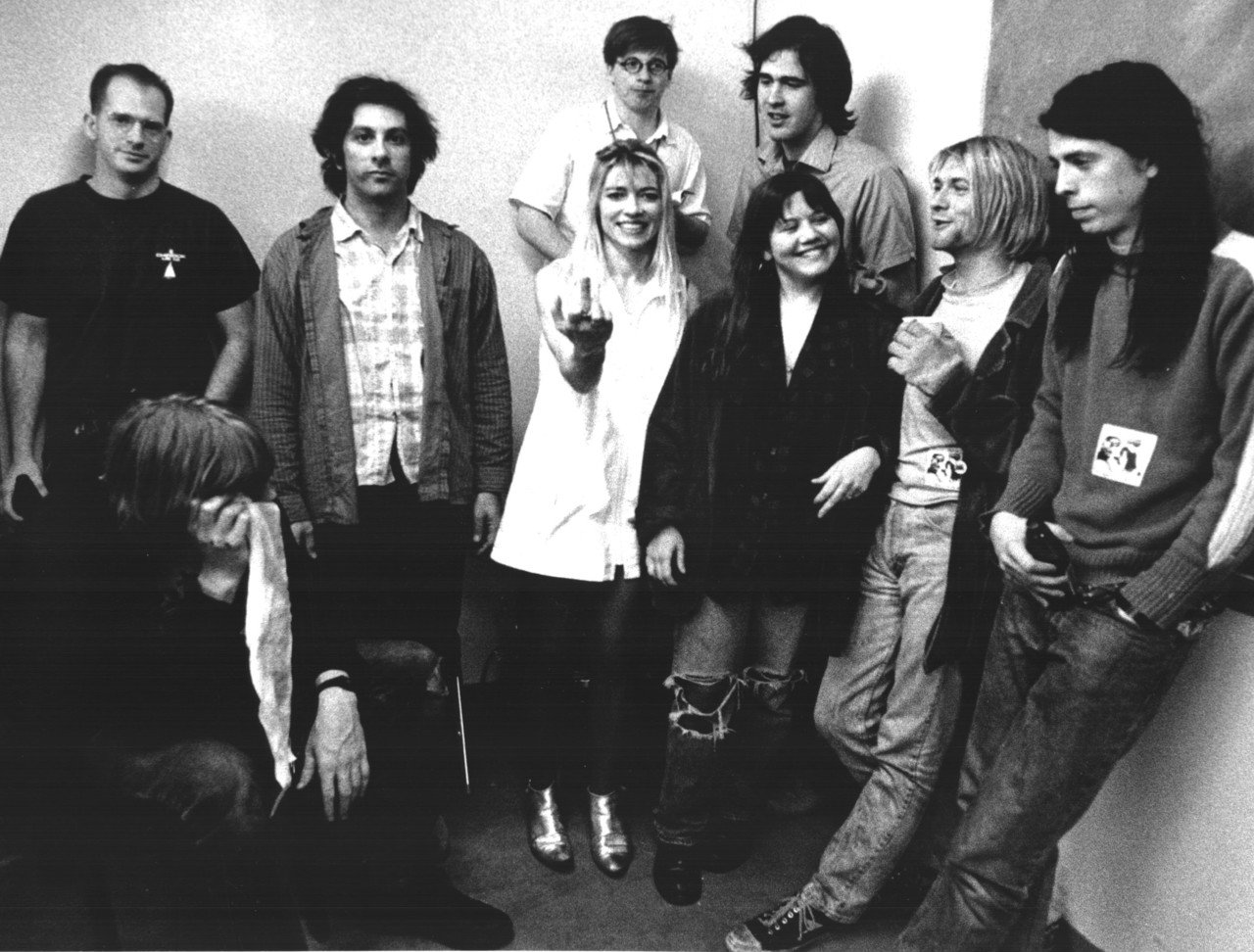Sonic Youth e Nirvana durante a turnê de 1991: The Year of Punk Broke. Foto: Charles Peterson
