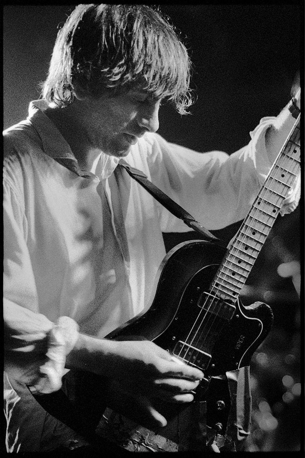 Lee Ranaldo ao vivo com o Sonic Youth em 1988