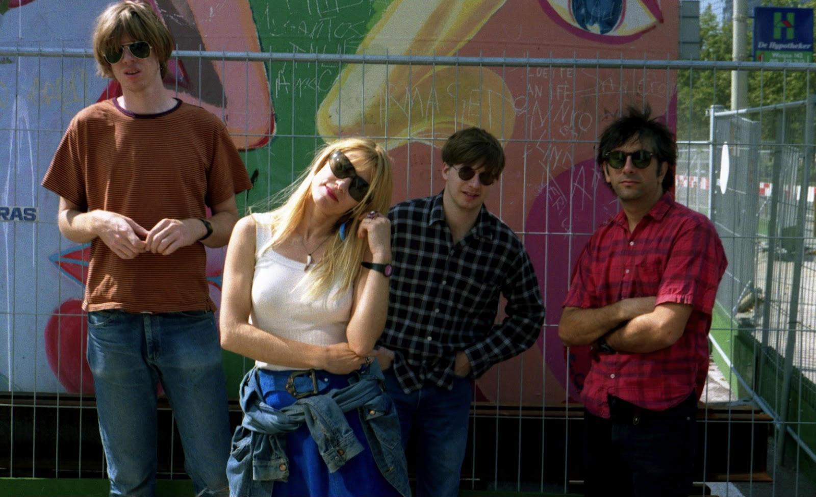 Sonic Youth na fase do Daydream Nation. Foto: Reprodução/Facebook da banda
